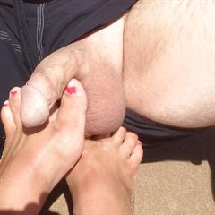 imagefap barefoot amateur hangers couple spread busty pussy beach feet