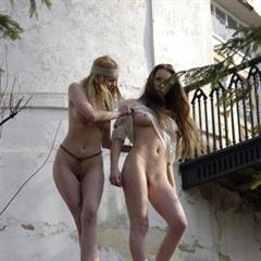 outdoor topclub 2 girls shaved hippie teens teen outside