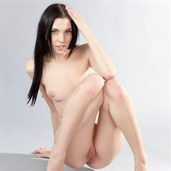 Amy Light girlstop-extra raven haired sexywoman shaved girlstop