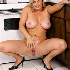 Kala Prettyman lustyguide dark eyes housewife kitchen blonde chubby curvy busty solo