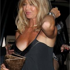 Goldie Hawn famous-people-nude celebrity mature celeb famous