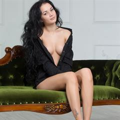 Josephine raven haired shaved avfor girls brunette