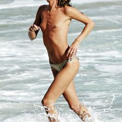 Erin Wasson celebrities-collection celebrity topless celeb beach naked nude outside outdoor