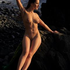 Leticia Elina Mikki kindgirls brunette trimmed met-art shaved busty beach