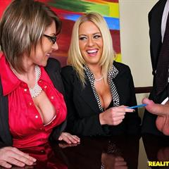 Velicity von Riley Evans realitykings cfnm secret cfnmsecret threesome bigasshoz meeting glasses office