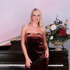Jana Cova plump pussy pornoriese instrument blonde shaved piano busty pornstar