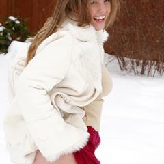 winter yourdailygirls Dawson Miller outdoor Playful laugh boots smile snow cold