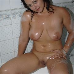 large areolas wet hair bathtub bbwcult chubby chunky areola shaved saggy soapy