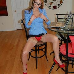 Kelly Housewife stocking-divas wedding ring ri stockings hardcore brunette blowjob glasses