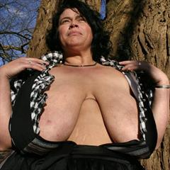 busenberlin big tits outdoor mature tree ugly fat outside