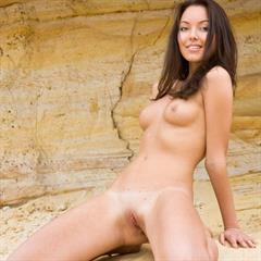 Lina H krasotki-foto pierced navel brown eyes brunette met-art outdoor shaved Liina perky