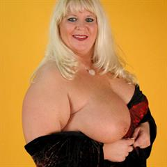 yellow background paspartugals mature blonde SSBBW ugly solo fat monocolor BBW