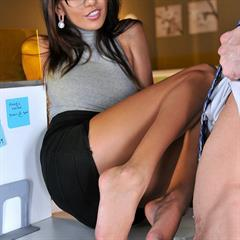 Janice Griffith new-pornstars footsiebabes eye contact hardcore glasses upskirt fetish office shaved