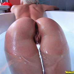 Anikka Albrite pornstar-photos monstercurves realitykings interracial bathtub big ass asshole shaved facial