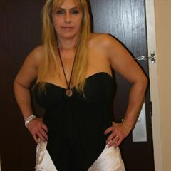 Amanda maniacpass mature blonde saggy MILF