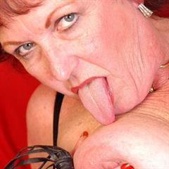 ssbbw mature maturessbbw over30 GILF granny old