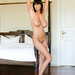Karin Spolnikova Ala Passtel Gabrielle Lucy C Vanilla Bedroom floppy boobs huge tits hand bra mc-nudes