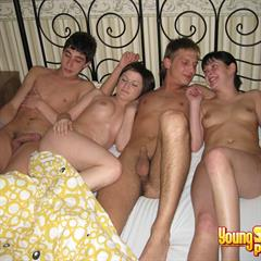 youngsexparties double team foursome hardcore FFMM bed