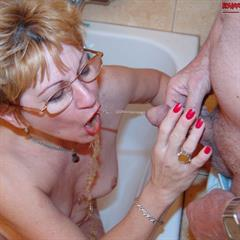 bizarre-mature-sex hardcore pissing bathtub glasses bizarre fetish mature piss bath