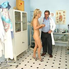 newexclusiveclub oldpussyexam examination blonde mature gyno