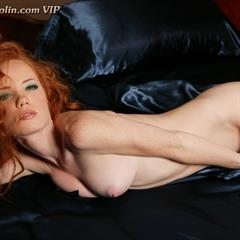 Heather Carolin Carolyn Scarlett imagefap lipgloss redhead trimmed shaved hairy