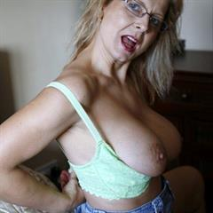 Sandra Dear Sandy D bedfordshireblonde housewife big tits British mature ugly MILF slut