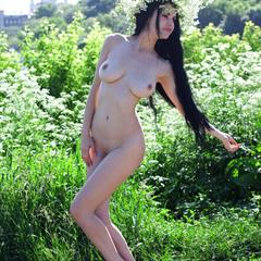 Mirele A Mirela raven haired goddessnudes erocurves outdoor shaved brunette outside