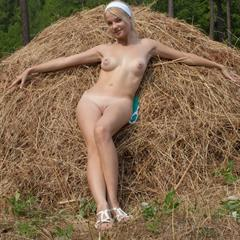 totally shaved brainparking plump pussy perky tits headband outdoor blonde nature straw labia