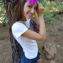 chloe18 braless t-shirt shaved braces teen