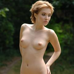 short hair perky tits brunette outdoor stubble trimmed jjsoft field outside