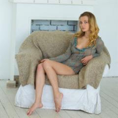 Agnes perfect breasts pierced navel body naked-woman gorgeous barefoot blonde shaved busty