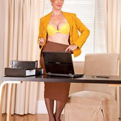Camilla yellow lingerie dress plump pussy stockings secretary anilos mature Camile office
