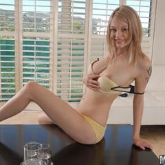 totally shaved hqadultporn shesafreak 20100916